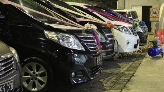 sewa wedding car cinere