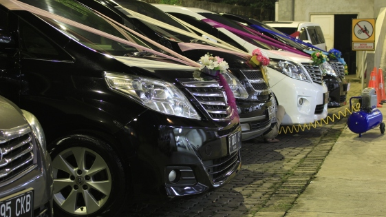 sewa wedding car cinere